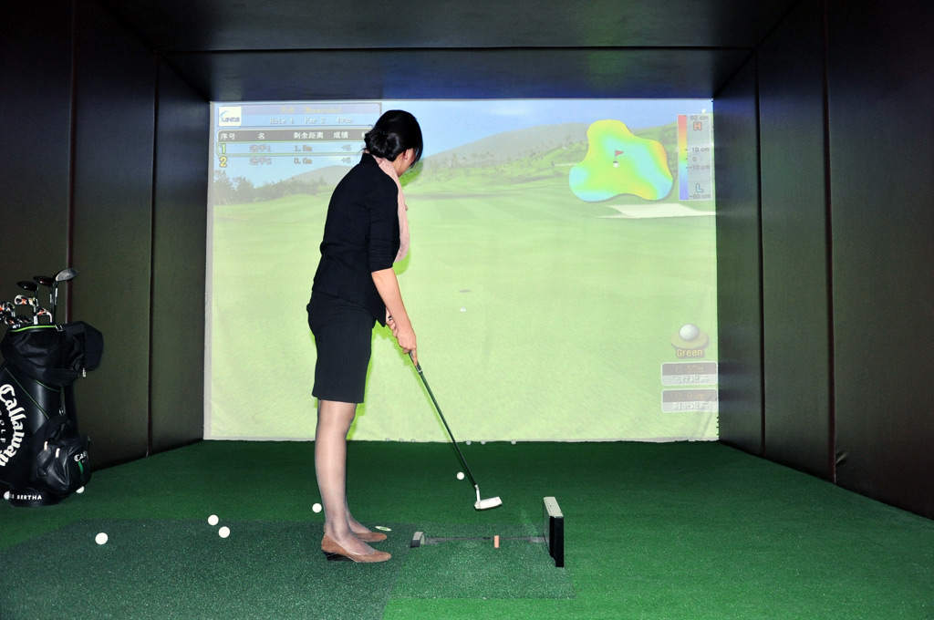 模拟高尔夫训练场
