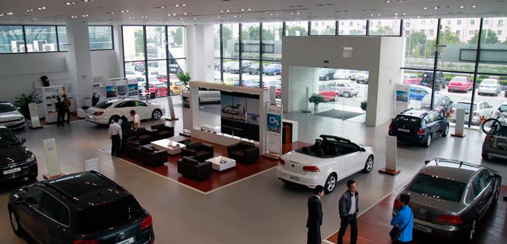 蘇州市金閶眾翔汽車銷售服務有限公司是蘇州地區唯一一家經大眾進口汽車銷售有限公司授權的,擁有正規進貨渠道的集汽車銷售、汽車維修、索賠業務為一體的特許經銷商。公司主要銷售大眾進口汽車輝騰、途銳、EOS、甲殼蟲、尚酷、CC、R36、Tiguan、尚酷R、高爾夫R、高爾夫旅行轎、CrossGolf等系列車型。